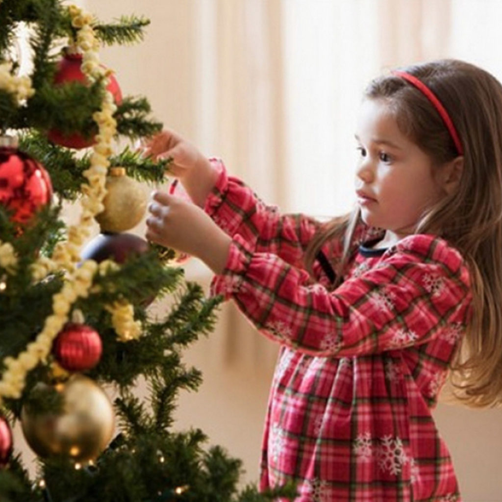 Как украсить Новогоднюю Елку в Год Петуха 2017